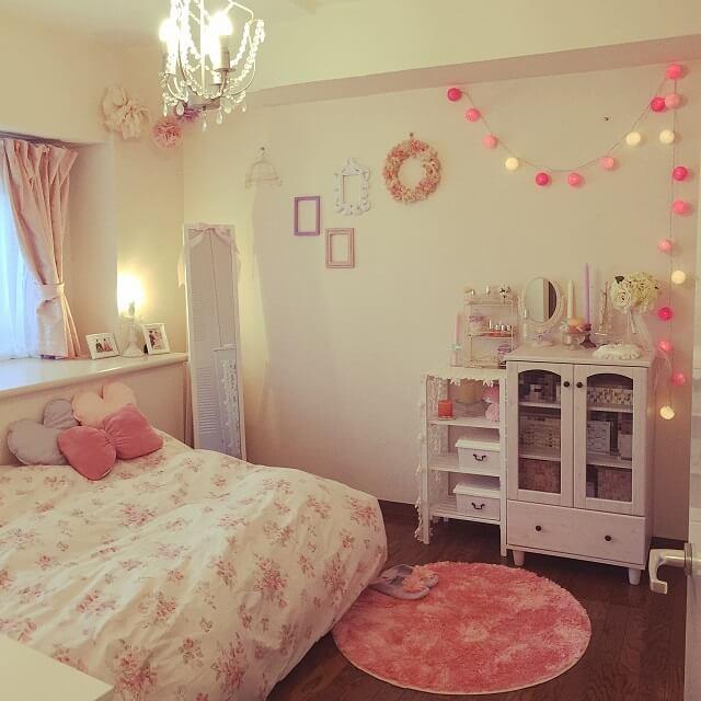 女性の一人暮らし可愛い姫系ベッドでおしゃれな部屋に おしゃれ